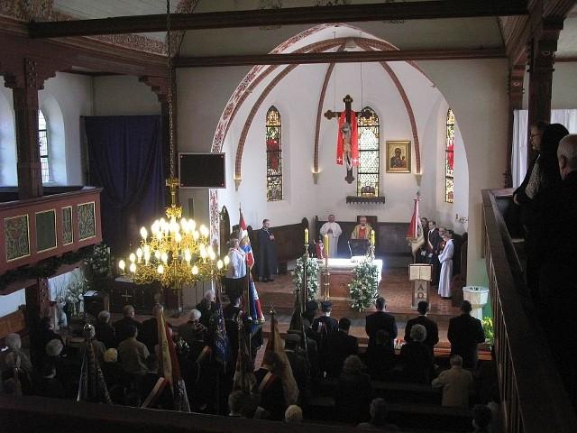 """Obchody zainaugurowała msza św. w kościele Najświętszej Marii Panny Królowej Polski w Żninie. Podczas mszy śpiewał chór """"Moniuszko""""."""