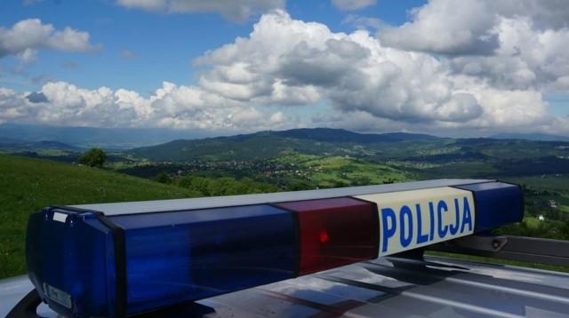 Policjanci z Wisły zatrzymali mężczyznę, który pod wpływem alkoholu opiekował się małą córką