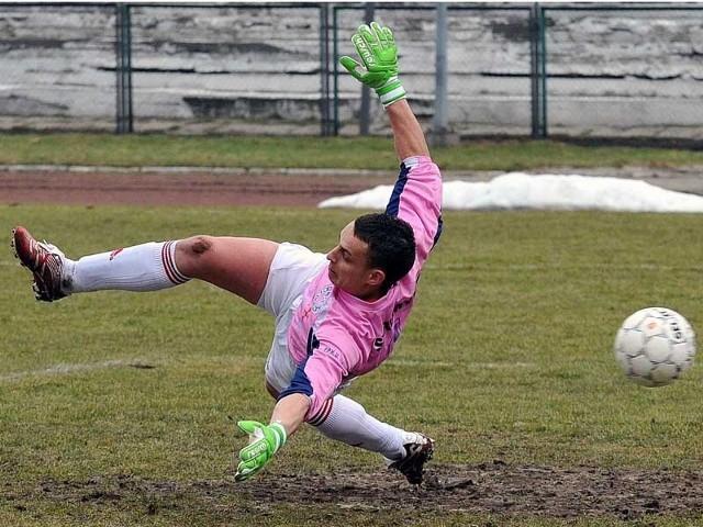 Polonia Przemyśl - Strumyk MalawaCzwartoligowi pilkarze zainaugurowali w sobote runde wiosenną. W Przemyślu miejscowa Polonia zremisowala ze Strumykiem Malawa (1:1).