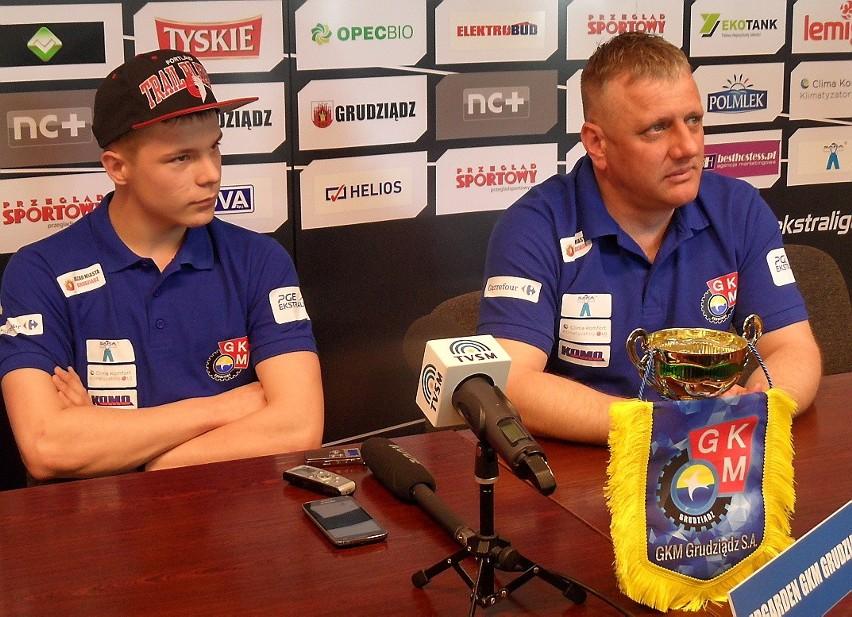 Robert Kempiński (z prawej), trener MRGARDEN GKM i Mike Trzensiok, junior drużyny grudziądzkiej nastawieni są na zwycięstwo.