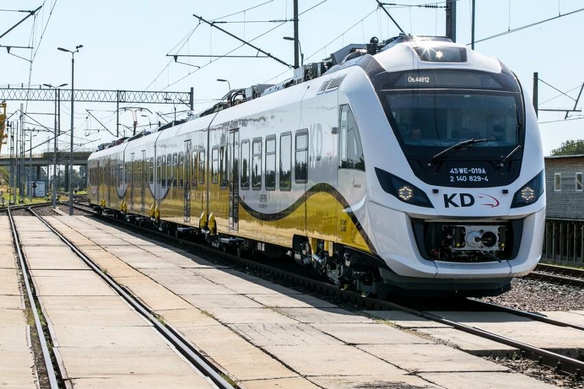 Pociąg Kolei Dolnośląskich.