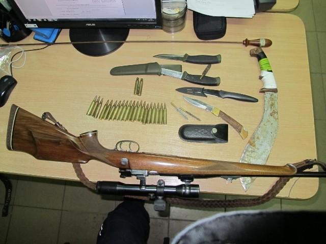 nielegalna broń
