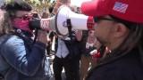 USA: Protesty przeciwko blokowaniu kont skrajnej prawicy na Facebooku. Doszło do przepychanek z antyfaszystami [WIDEO]