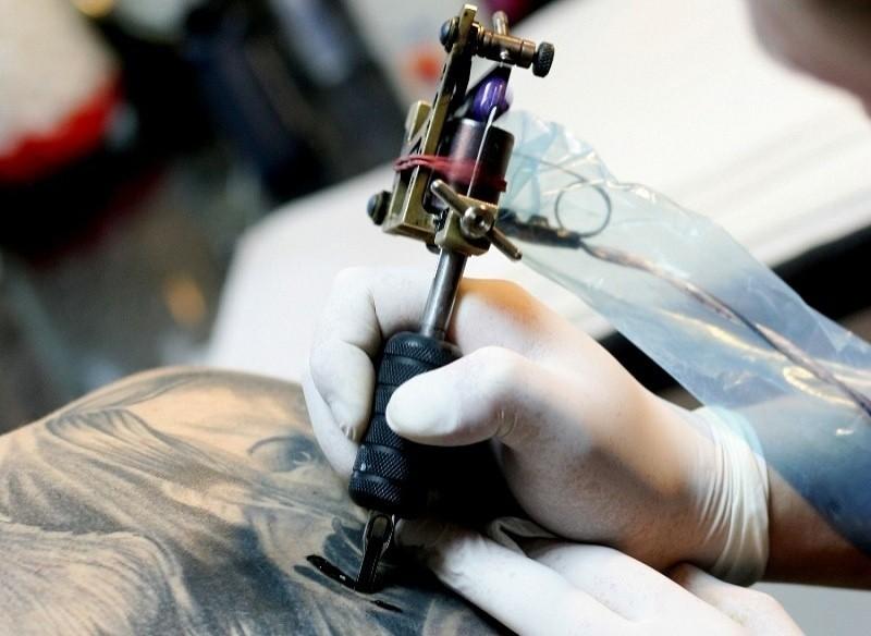 Jak Pozbyć Się Tatuażu Jak Usunąć Tatuaż Express Ilustrowany