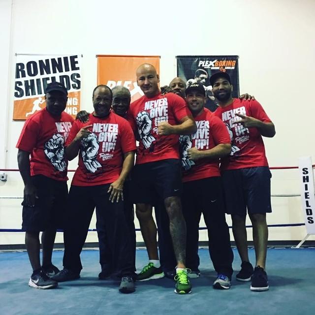 Artur Szpilka z teamem Ronniego Shieldsa, z którym przygotowuje się do walki w Houston