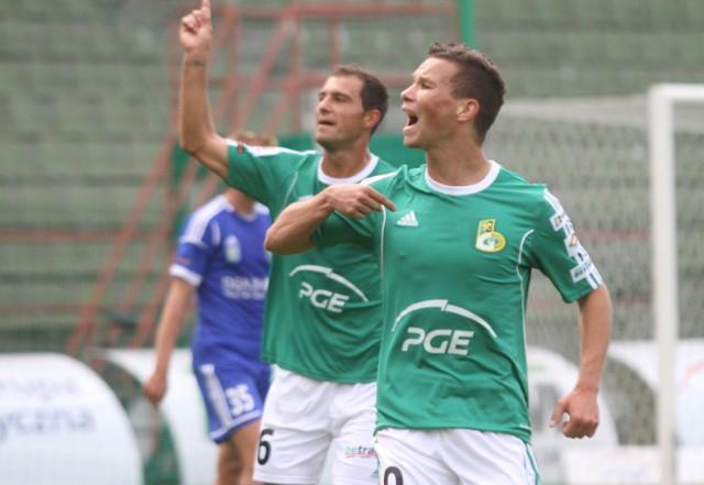 Na koszulkach piłkarzy z Bełchatowa widnieje logo PGE