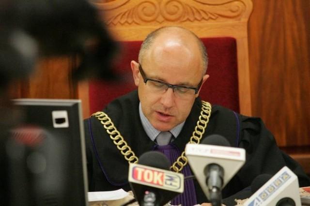 Uzasadnienie wyroku w sprawie tzw. Afery Budowlanej to 243 strony A4 zapisane drobnym drukiem. Napisał je sędzia Dariusz Hendler (na zdjęciu)