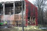 """Pożar miejskiego archiwum. Skala zniszczeń jest ogromna. """"Wydobyto około 80 metrów akt"""". Co straciliśmy?"""