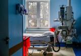 Kolejny rekord nowych zakażeń koronawirusem, prawie 25 tysięcy. Zmarły 373 osoby. Dzisiaj poznamy nowe obostrzenia