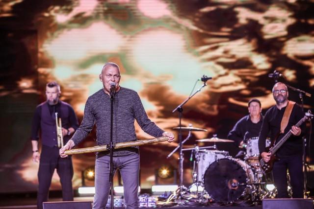 """W niedzielę, 26.09, o 19.30 w sali widowiskowej Świebodzińskiego Domu Kultury rozpocznie się koncert zespołu """"Raz, dwa, trzy""""."""