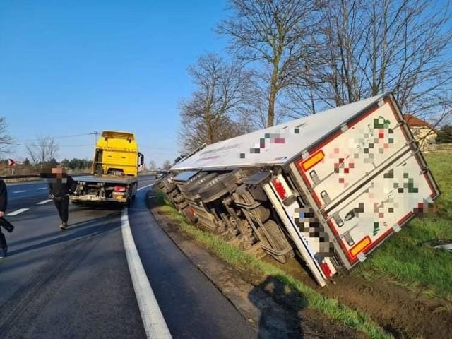 Wypadek na DK7 w Michałowicach spowodował dziś duże utrudnienia w ruchu