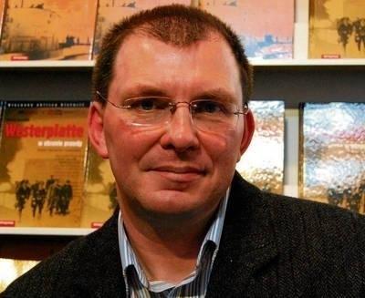 """Mariusz Borowiak """"Westerplatte. W obronie prawdy"""", Almapress Fot. Paweł Stachnik"""