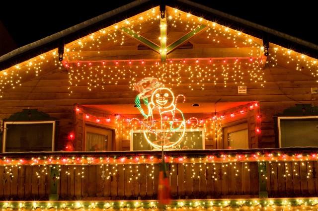 Dekoracyjne oświetlenie wprowadza świąteczny nastrój.Zobacz, jak robimy wideo w mediaPPG!