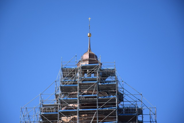 Rusztowania wzdłuż katedry miały ponad 50 metrów. Teraz są o około sześć metrów niższe.