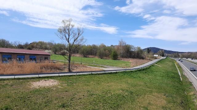 Ten łącznik (droga równoległa do zakopianki) w Myślenicach ma zostać przebudowany z rządową pomocą