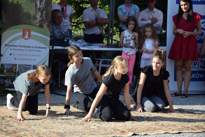 Festiwal Nietoperzy w Jerzmanowicach organizowano czwarty...