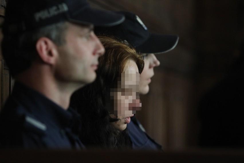Rodzice Szymona z Będzina ponownie zasiedli na ławie oskarżonych. Szymon został znaleziony w stawie w Cieszynie. Przez dwa lata policja próbowała ustalić jego tożsamość. Udało się przypadkiem