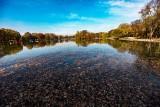 Kraków. Budują plażę nad zalewem pełnym bakterii. Wyniki badań niepokoją