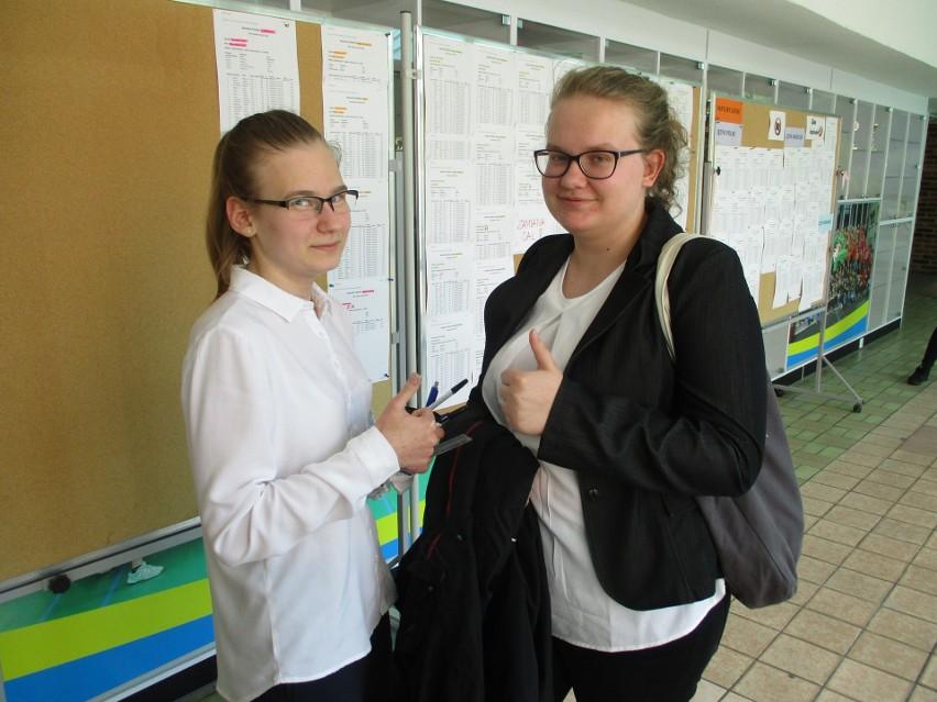 Ola i Kamila - obie z klasy matematycznej - z egzaminu z matematyki wyszły zadowolone