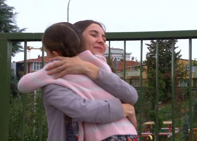 Elif to turecki serial, który opowiada o losach dziewczynki rozdzielonej z ciężko chorą matką.