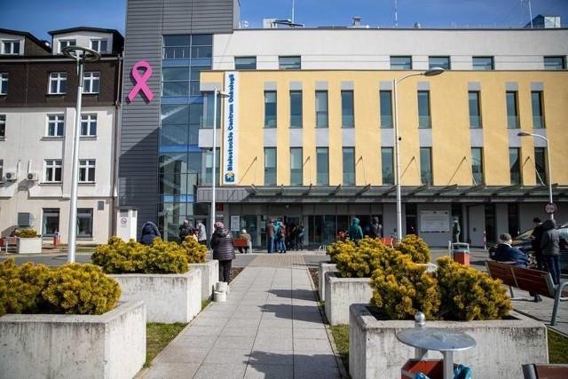 W BCO wciąż czekają na wyniki wszystkich badań pracowników i pacjentów szpitala. Na razie potwierdził się dziesiąty przypadek