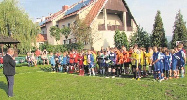 Na turniej o puchar dyrektora DPS stawili się uczniowie siedmiu szkół podstawowych gminy Zabierzów