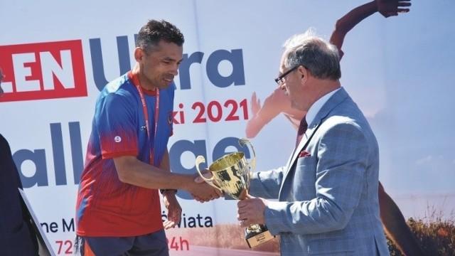 Krzysztof Brączyk z Więcborka z 3.miejscem w biegu 24-godzinnym na nieoficjalnych Mistrzostwach Świata Orlen Ultra Challenge Suwałki 2021