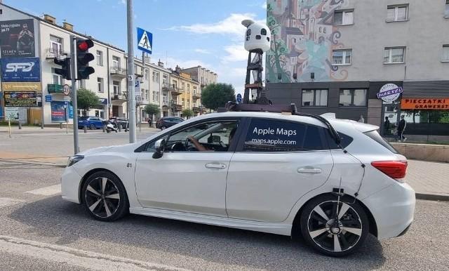 Samochód Apple Maps na ulicach Kielc