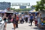 Kieleckie bazary w piątek, 30 lipca. Mnóstwo ludzi na zakupach. Co szło najlepiej? [ZDJĘCIA]