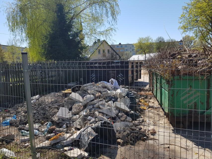 Spółdzielnia mieszkaniowa zorganizowała składowisko odpadów...