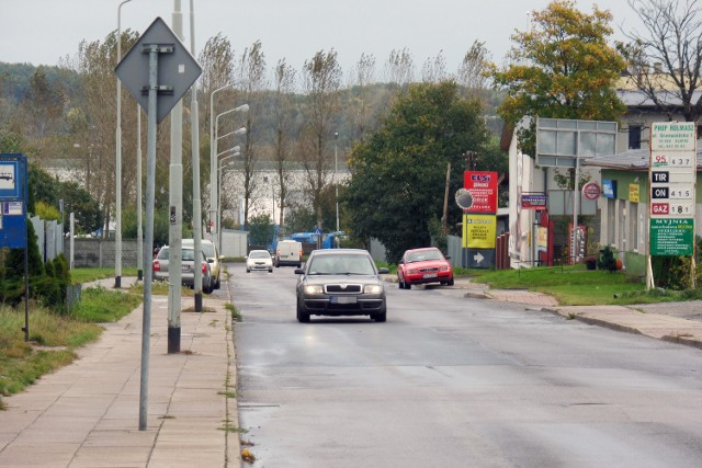Mieszkańcy ul. Konarskiego skarżyli się na kierowców, którzy po zjeździe z ringu  jechali z nadmierną prędkością. Teraz będą mogli pojechać maksymalnie 30 kilometrów na godzinę.