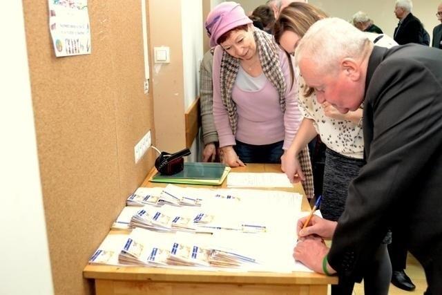 Karta Seniora w Krośnie Odrzańskim ma wkrótce zacząć działać. W połowie września nastąpi nabór mieszkańców.