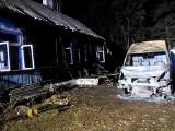 Śniczany. Pożar samochodu dostawczego. W środku były butle z gazem. Działania strażaków trwały ponad dobę [ZDJĘCIA]