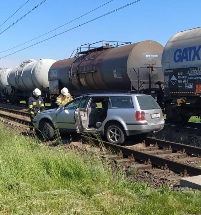 Wypadek na przejeździe w Karłowicach.