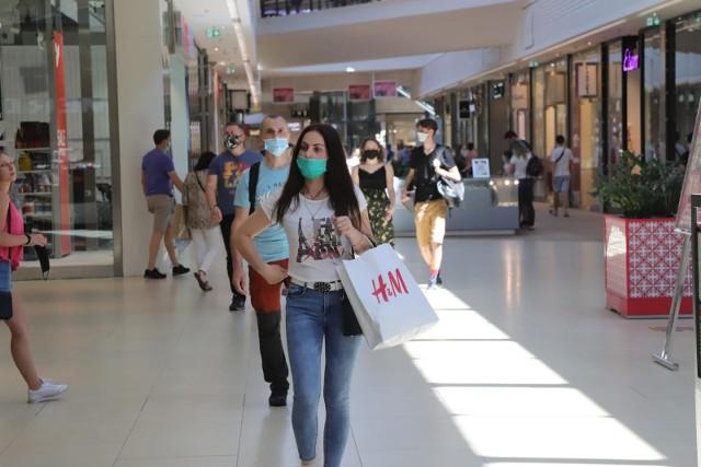 Jak informuje Financial Times, szwedzki gigant odzieżowy, firma H&M planuje zamknąć 250 swoich palcówek