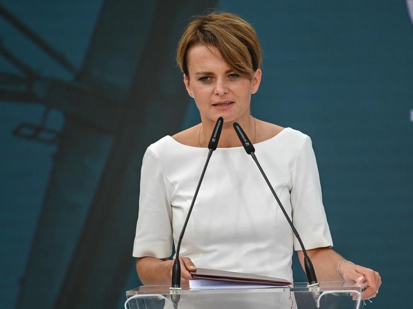 Kiedy otwarcie granic? Minister Emilewicz podała daty