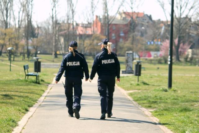 """Koronawirus w Krakowie """"zamknął"""" wiślane bulwary."""