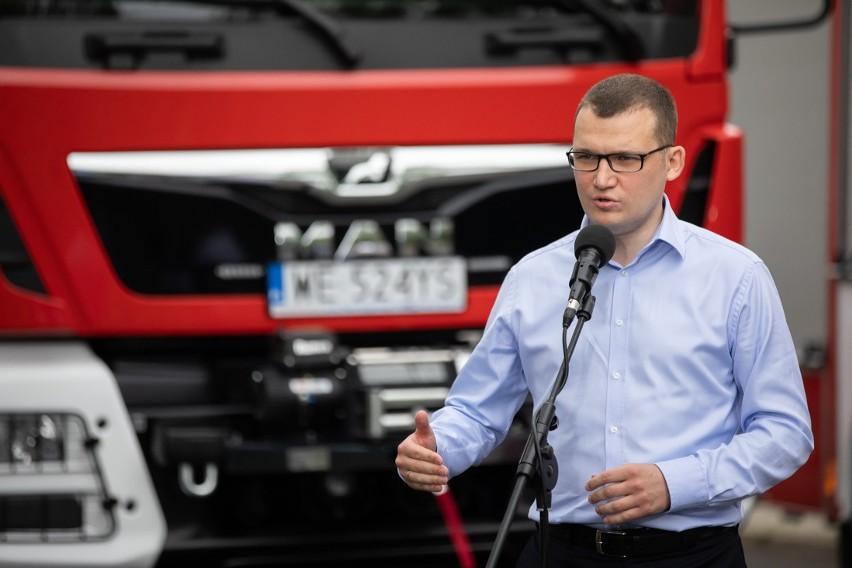 Wybory prezydenckie 2020. Gmina Rewal w nagrodę za frekwencję otrzyma nowy wóz strażacki!