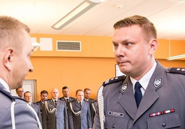 Mł.nsp. Daniel Gotthardt nominację na szefa żagańskiej policji odbierał nieco ponad rok temu...