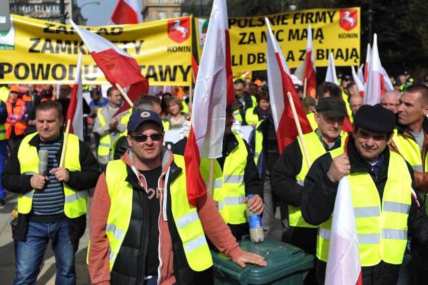 Protest firm zajmujących się wywozem śmieci