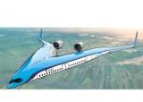 Pierwszy lot testowy modelu energooszczędnego samolotu Flying-V w niemieckiej bazie lotniczej. Próba udała się.