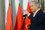Robert Biedroń wystawia Jackowi Sasinowi rachunek za wybory. Wieczorem w Sejmie głosowanie nad wotum nieufności dla ministra