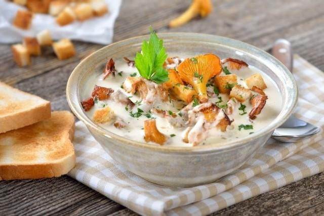 Kurki to pyszne grzyby. Zobacz, jakie dania można z nich przygotować.