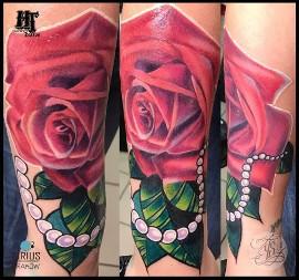 Tatuaż Na Nadgarstku Ceny Wzory Napis Czy Tatuaż Na