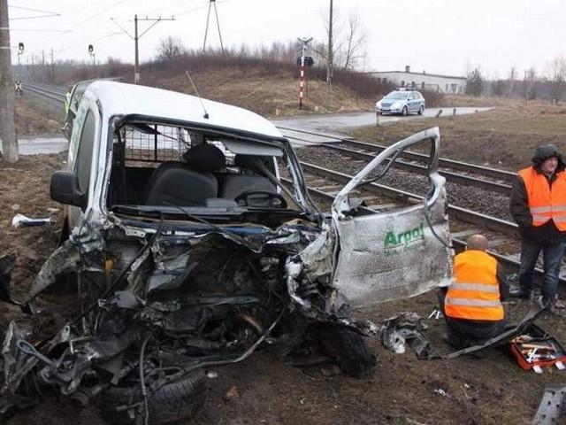 Do wypadku doszło na niestrzeżonym przejeździe kolejowym w powiecie aleksandrowkim