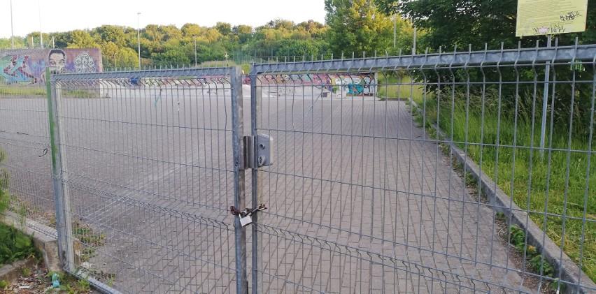 Skatepark przy ul. Seledynowej pozostawał zamknięty od marca.
