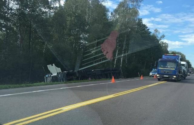 Ostrożne. Wypadek na DK8 na odcinku Zambrów - Ostrów Mazowiecka