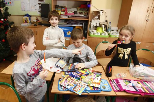 Rodzice sześciolatków nie chcą zapisywać dzieci do szkoły, bo się boją, że to będą kadłubowe klasy, często zbiorcze. A będą takie dlatego, że rodzice sześciolatków tego się boją. Koło się zamyka.