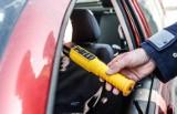 Policyjne alkomaty oszukują? Kierowcy mogą mieć kłopoty (video)