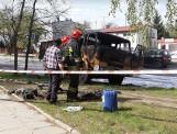 Pożar ciężarówki na ul. Brzezińskiej. Ogień próbował gasić kierowca ZDJĘCIA